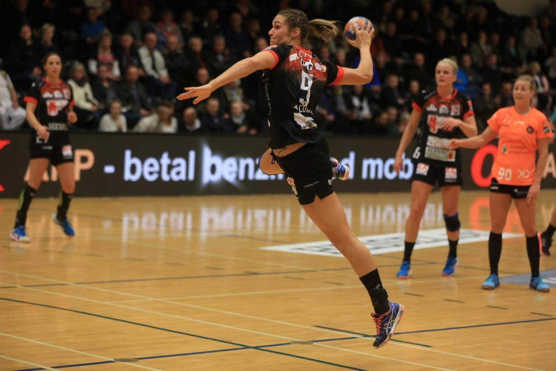 7ffb40e2515 FCM Håndbold sælger Sabina Jacobsen